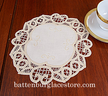 "Round Doily. Battenburg.10""Round. Mother of Pearl color.6 pieces"