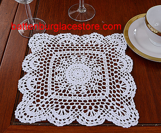 Square Crochet. Sun Flower. 10 in. White (4 pcs set)