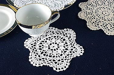 "Crochet Round Doilies. 8"" Round. White color ( 6 pieces pack)"