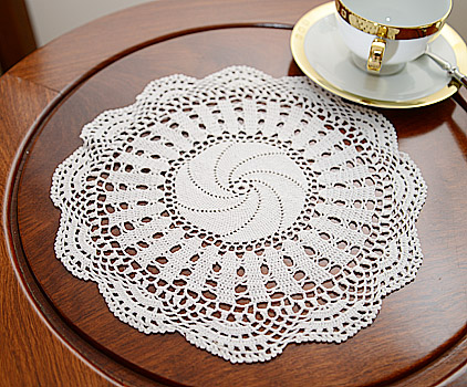 Round Doilies. Southern Star Design. 11in. Round. Each White