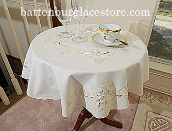 Tablecloth Round Topper.34 inches. Old Imperial.Pearl Ivory.