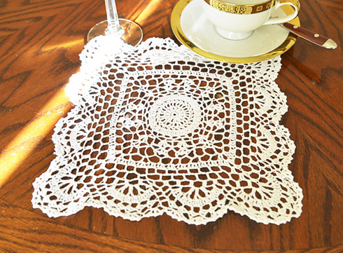 "Square Crochet Doilies. 10"" Square. White color. 4 pieces pack"